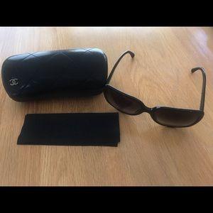Chanel Sunglasses Black 5264